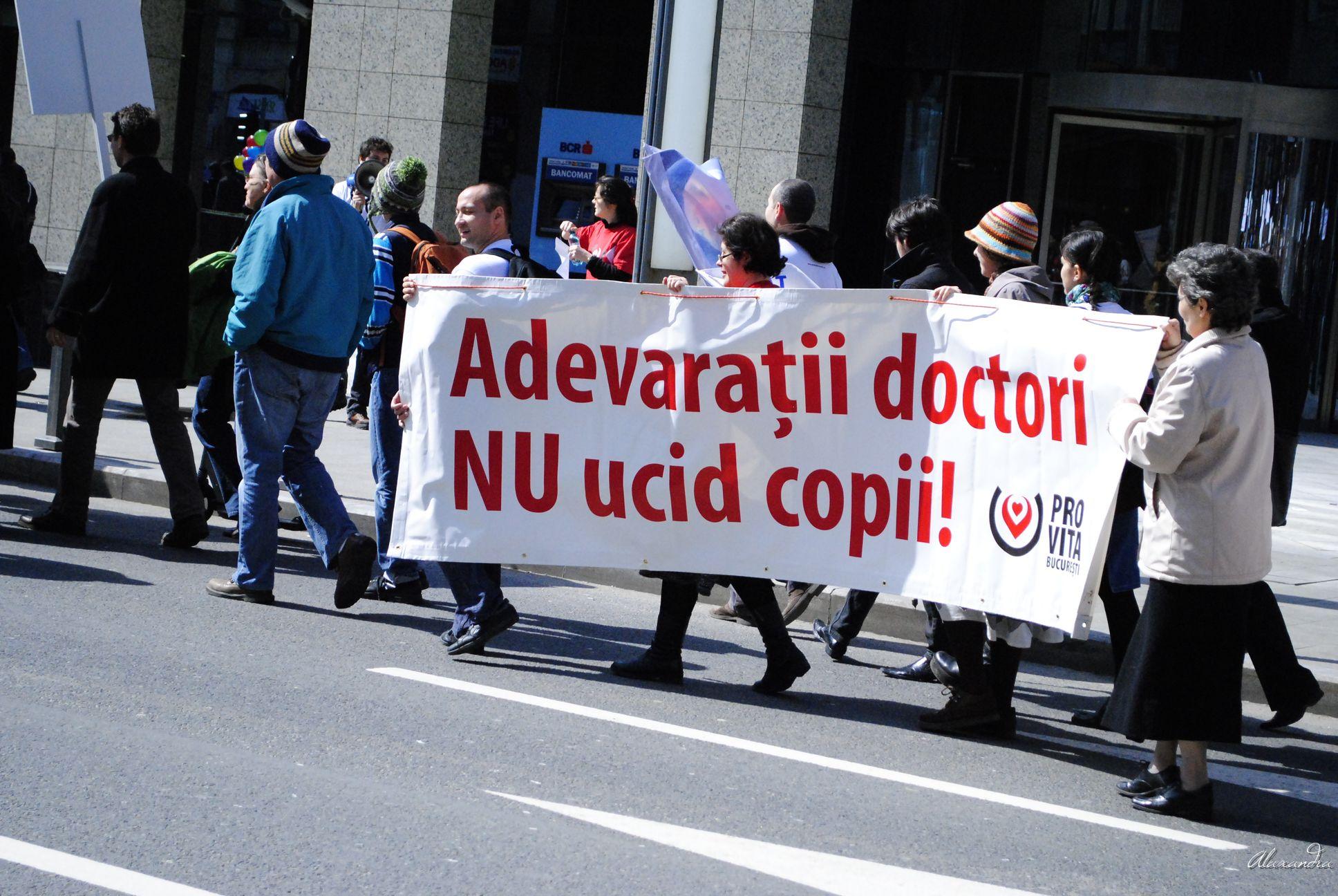 _DSC5864-mars-pentru -viata-2013-bucuresti